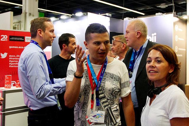Nach der Führung über die gamescom: Ich und Ursula Vranken (rechts) im Gespräch